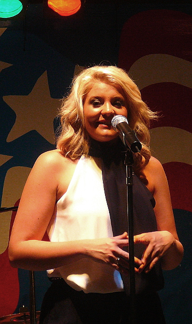 Lauren Alaina chats with the crowd during her Thursday night show at the York Fair. (Mark Franklin Photo)