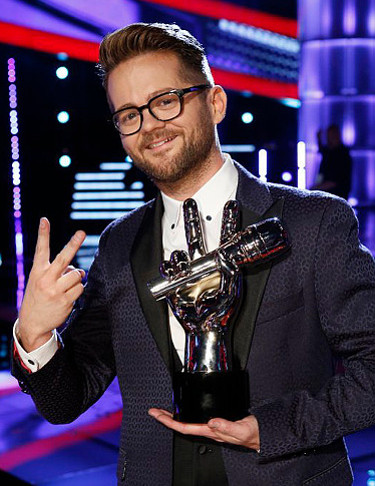 Josh Kaufman won Season 6 of The Voice representing Team Usher, marking the first time an artist on a team other than Team Blake or Team Adam took the title. (NBC Photo)