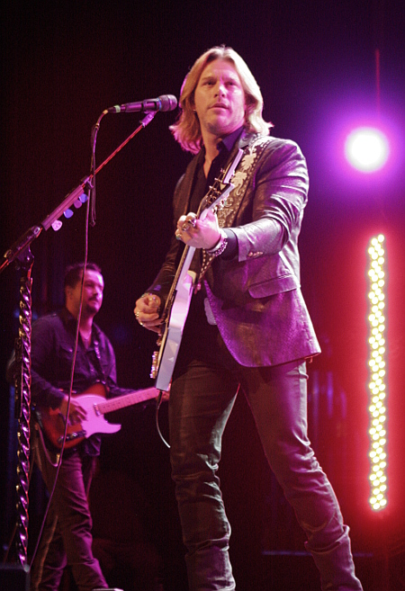 Craig Wayne Boyd performs at the Pullo Center Thursday night. (Pullo Center Photo)